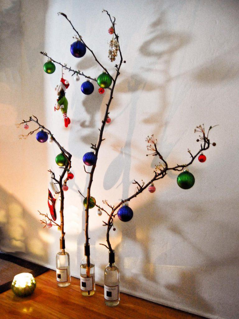 Original_Rima-Nasser-ornaments-in-wine-bottle_s3x4.jpg.rend.hgtvcom.1280.1707